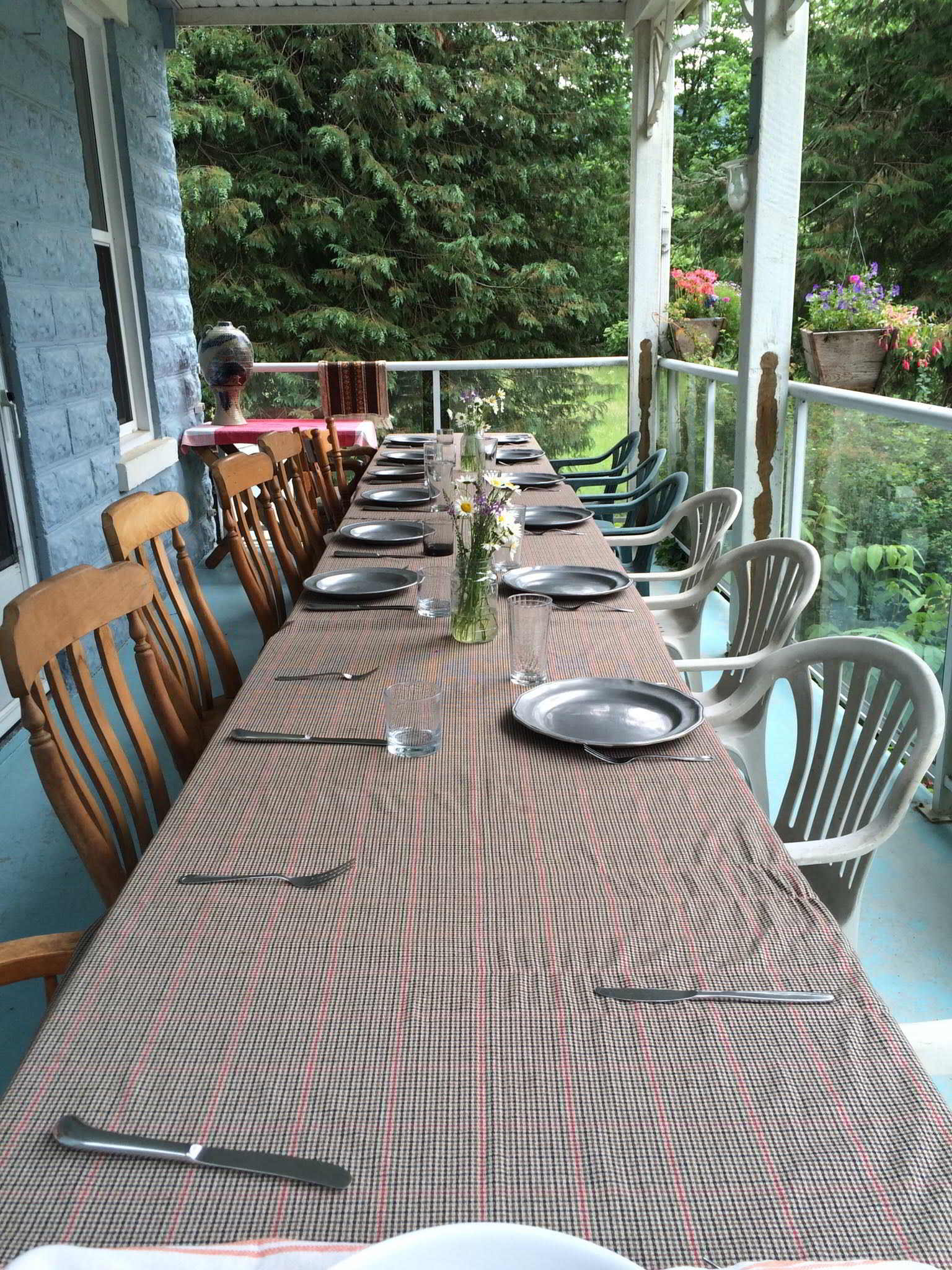 Earthwise Society Farm in Agassiz - Farm table dinner